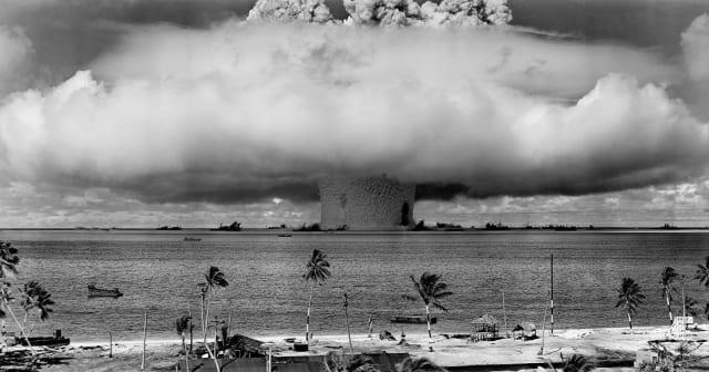 Δοκιμές πυρηνικών όπλων στην ατόλη Μπικίνι ©Φωτογραφία:Public domain