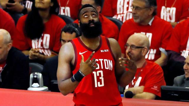 Todavía le quedan muchos años de carrera por delante, pero ya se ha ganado estar en la lista de los mejores jugadores zurdos. 'La Barba' ya cuenta con un MVP, siete participaciones en el All Star y dos  temporadas como máximo anotador de la NBA. Su próximo objetivo, el asalto al anillo.