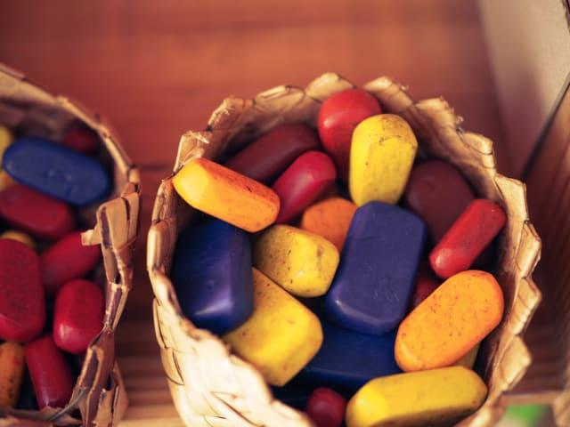 A fin de generar la menor cantidad de basura posible, existen bloques para dar color. Con esto, se eliminan muchos contaminantes.