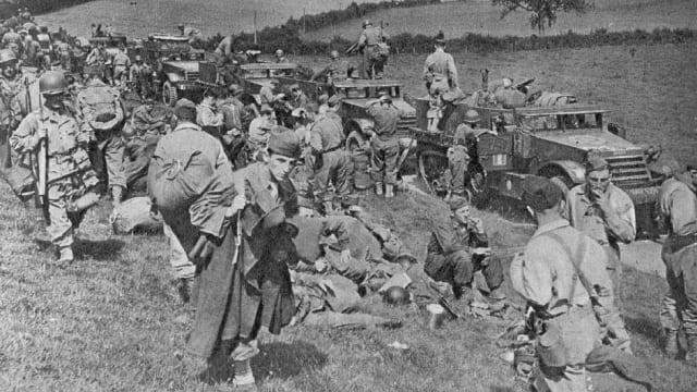 En septiembre de 1943, la División Leclerc fue transferida a Rabat (Marruecos), donde se la dotó de armamento procedente de EEUU.