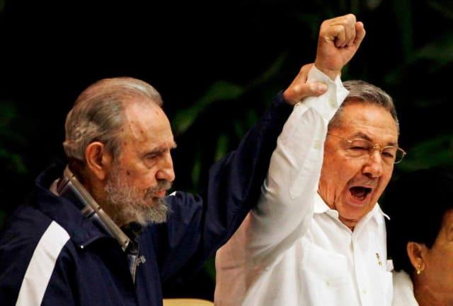 """O  Twitter bloqueou as contas do líder do Partido Comunista cubano Raul Castro , de sua filha Mariela Castro e dos principais meios de comunicação estatais de Cuba, um movimento que a União Cubana de Jornalistas denunciou como """"grande censura""""."""