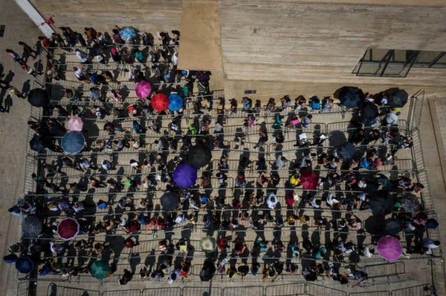 O mercado de trabalho brasileiro criou 121.387 empregos com carteira assinada em agosto , de acordo com dados do Cadastro Geral de Empregados e Desempregados (Caged) divulgados nesta quarta-feira, 25, pelo Ministério da Economia.