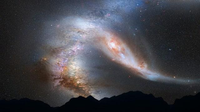"""Un equipo de más de 200 astrónomos de 18 países concluyó que el Universo tiene nuevos integrantes: gracias a la red de sensores de baja frecuencia Low Frequency Array (LOFAR, por sus siglas en inglés) ha hallado unas 300.000 fuentes de radio que corresponden a galaxias distantes, publica la revista Astronomy & Astrophysics.Estos especialistas solo han inspeccionado el 2 % del espacio y estiman que podrían encontrar unos 15 millones de fuentes de radio cósmicas.El radiotelescopio LOFAR, operado por el Instituto de Radioastronomía de Países Bajos (ASTRON), """"tiene una sensibilidad notable"""" y permite observar """"los chorros"""" que """"están presentes en las galaxias más masivas"""""""