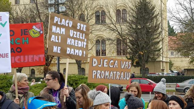 """Sutra veliki prosvjed učitelja, 150 autobusa stiže na Trg: """"Ne odustajemo"""" - Page 4 Mlakg4wpcnisooftqymu"""