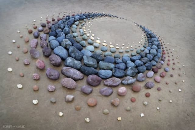 Jon Foreman arranged the stones in shapes and made many design